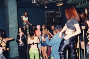 inside-oz-nightclub